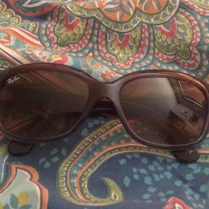 "Ray-Ban ""Jackie Ohh"" women's sunglasses RB4101"